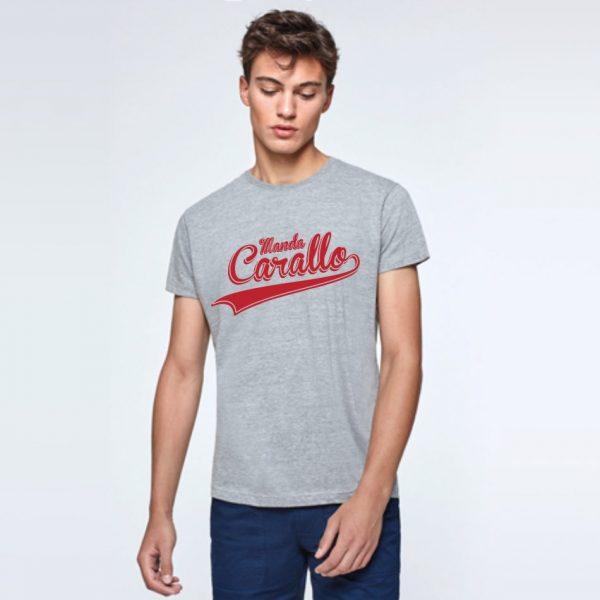 camiseta gris rojo
